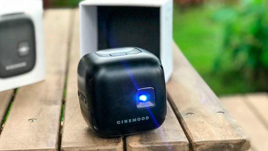 CINEMOOD Кубик VR — обзор портативного проектора
