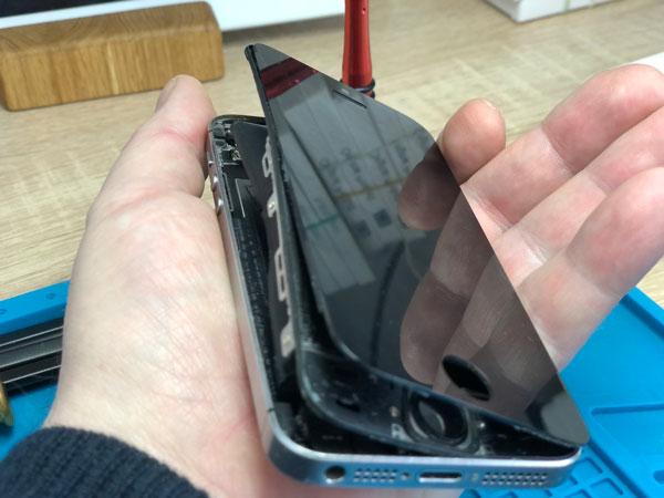 Вздутый аккумулятор iPhone